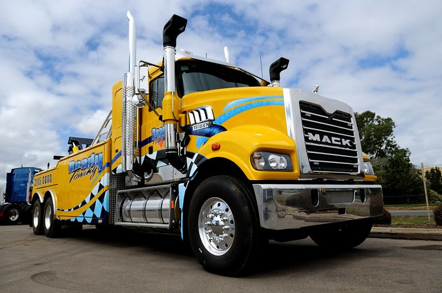 Ready Towing | New Mack Trident tow truck. | Rohan Phillips | Flickr
