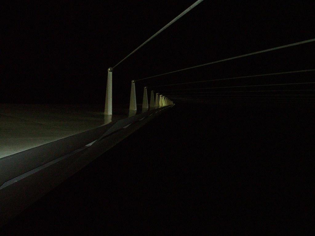 sundial bridge at night 2005 286 douglas coulter flickr
