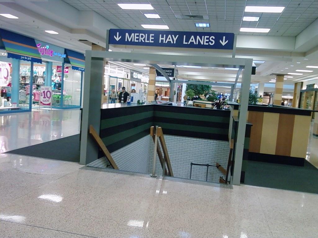 Merle Hay Lanes – Merle Hay Mall