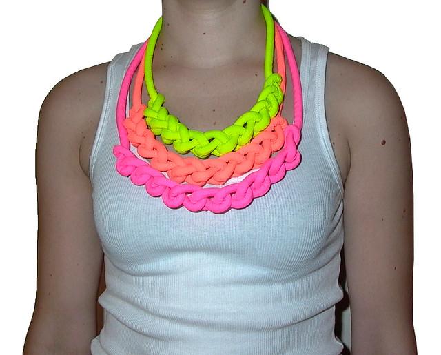 collares neon en colores fluor