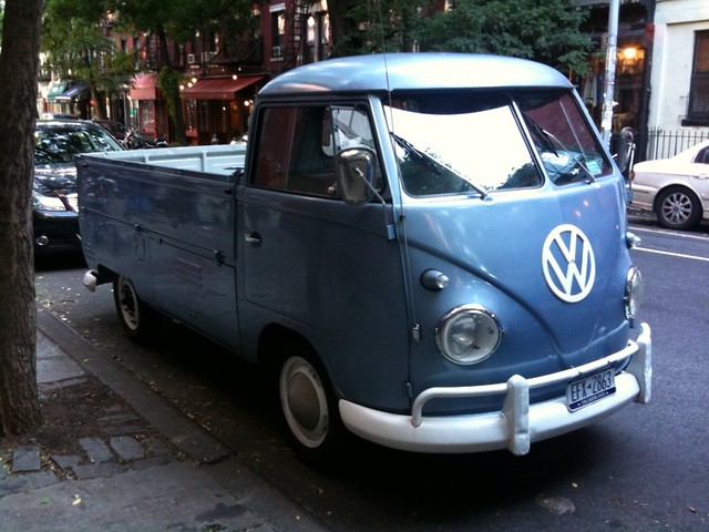 Old VW Bus, er, Wagon thing? I've never seen one of these … | Flickr