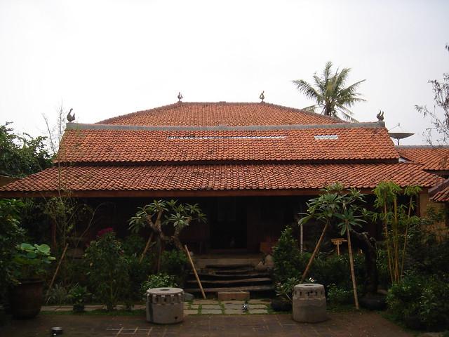 bentuk rumah kayu