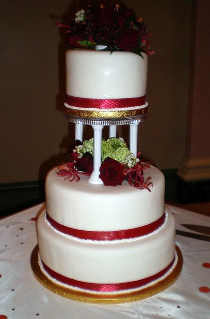 wedding cakes with columns wedding cake 3 tiers w columns simple cake that is 26007