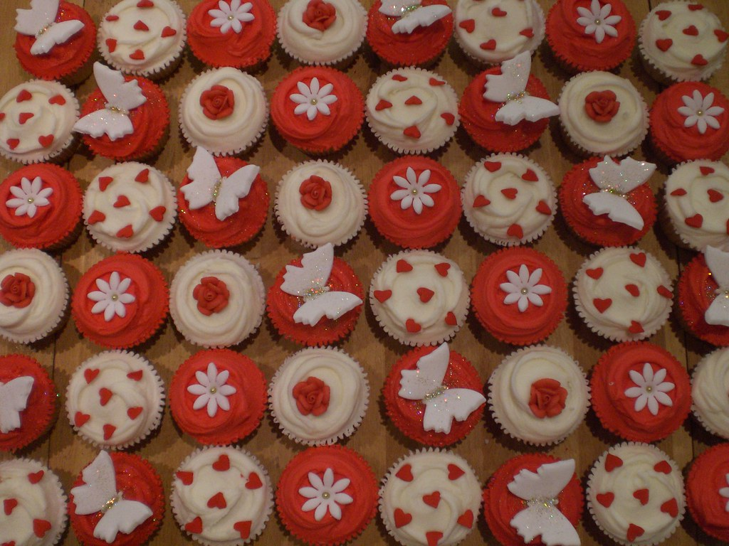 cupcakes for tracys red white amp gold wedding wedding