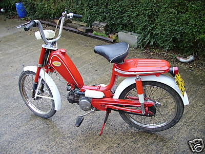 honda novio moped 50cc top speed is a heady 34mph looks. Black Bedroom Furniture Sets. Home Design Ideas