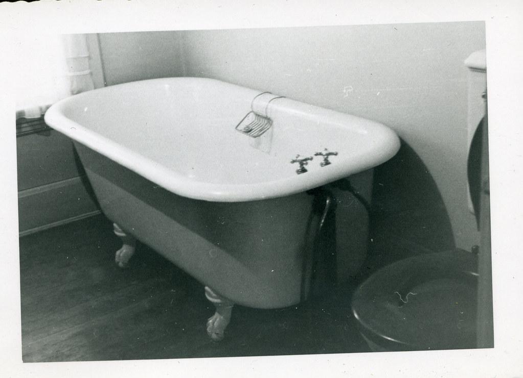 Old Fashioned Bathtub Shaker Jhhymas Flickr