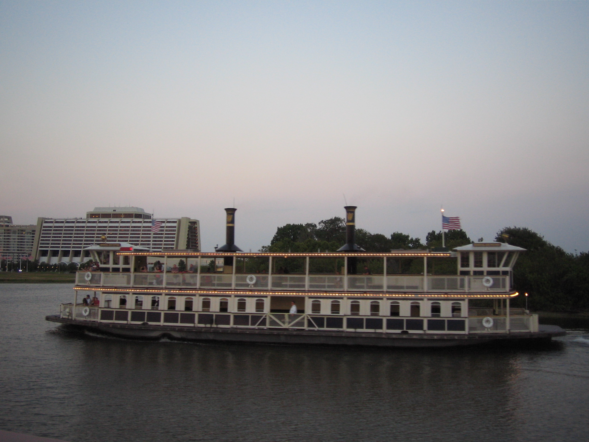 Paddle steamer taxiboat