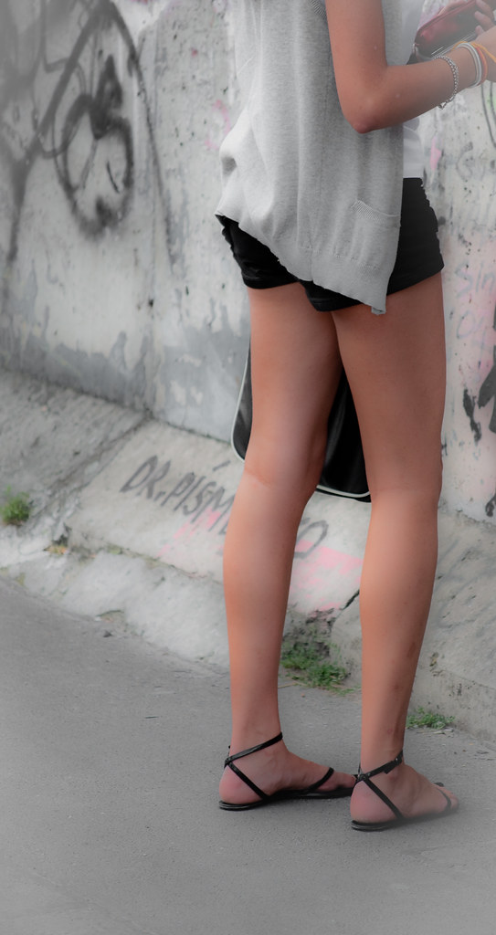 Teen Sexy Legs  Legs In Front Of The Berlins Wall