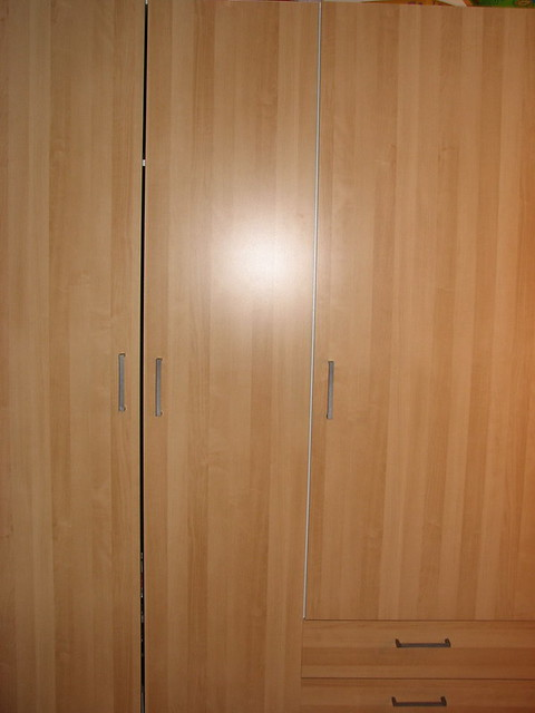 ikea kullen wardrobe with 3 doors bearch effect used for. Black Bedroom Furniture Sets. Home Design Ideas