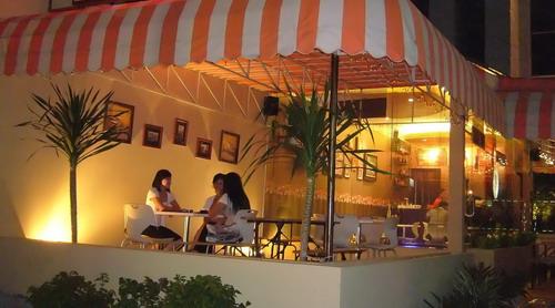 Cafe di Solo | Salah satu cafe yang ada di kota solo | Surakarta Box | Flickr