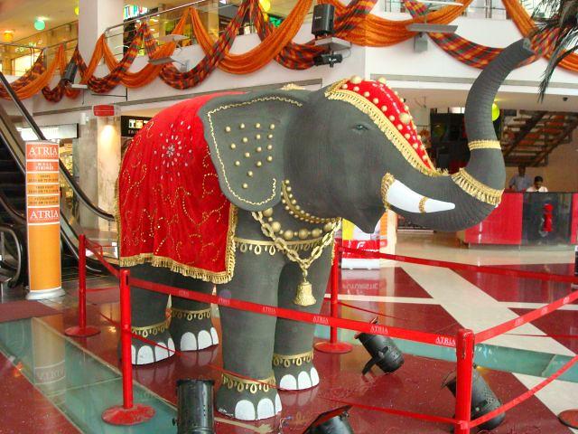 Diwali decoration welcome elephant atria mall atria for Decoration job in mumbai