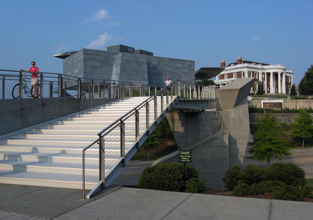 Holmberg Pedestrian Bridge Chattanooga Larry Miller