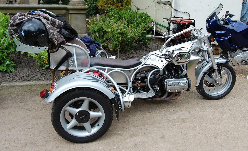 Three wheeler motorbike trike a proper custom job for Three wheel motor bike in india