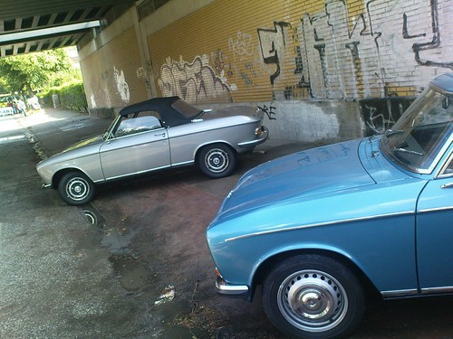 peugeot 304 coupe und 204 cabrio peugeot 304 coupe und 204 flickr. Black Bedroom Furniture Sets. Home Design Ideas