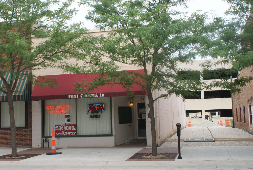 Clothing stores in waterloo iowa