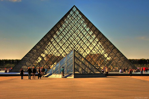 La Pyramide du Louvre - The Louvre Pyramid | by SergeK 