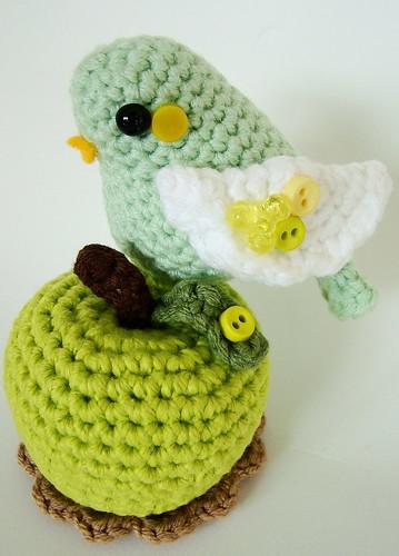 Amigurumi Gingerbread Man Free Pattern : Amigurumi bird and apple Flickr - Photo Sharing!
