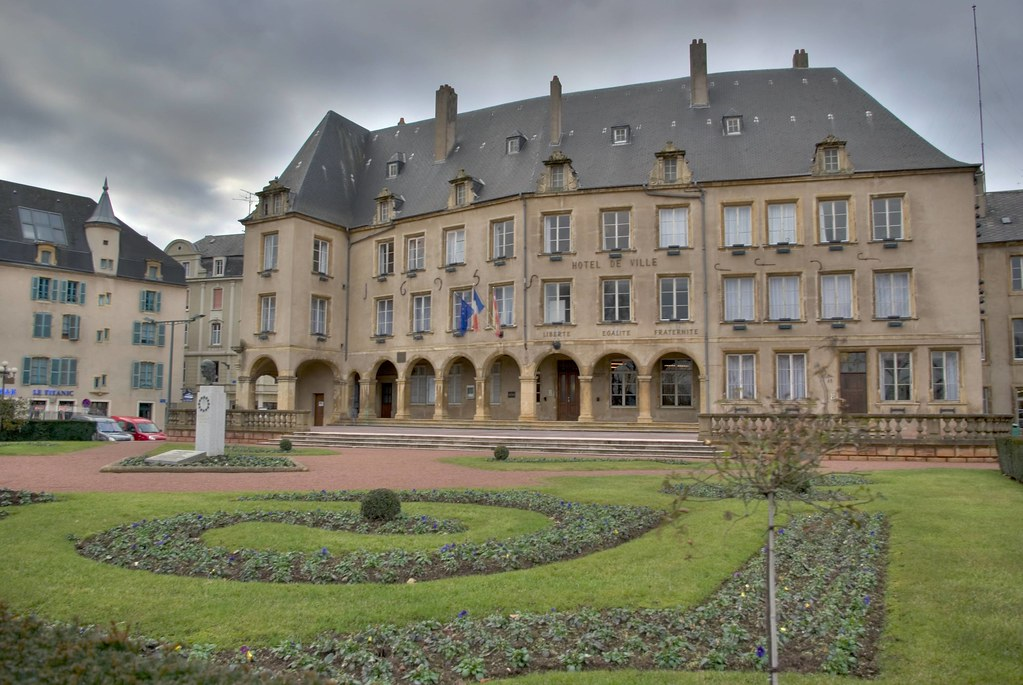 Mairie de thionville hotel california gipsy kings x for Appart hotel thionville