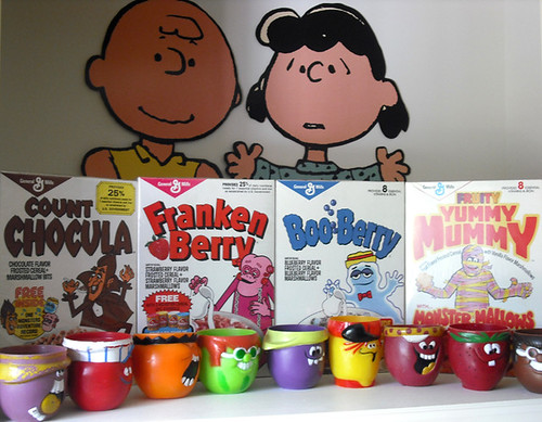 2009 Revised Nook Display w/ Monster Cereal Funny Face Dolly Madison Peanuts | by gregg_koenig