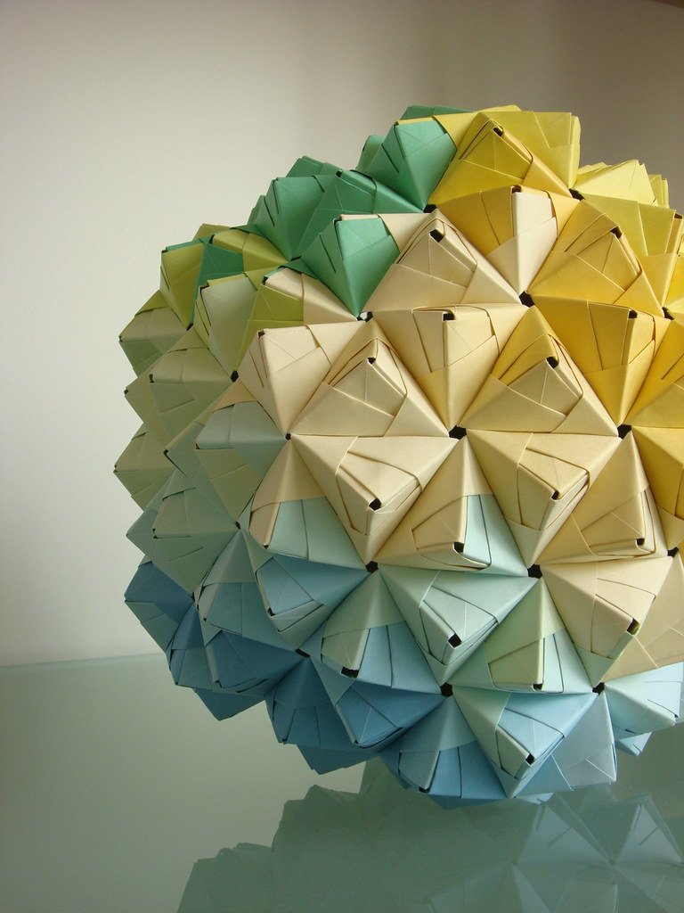 Modular Sonobe Origami Ball - blue, geen, yellow - 270 pie ... - photo#44