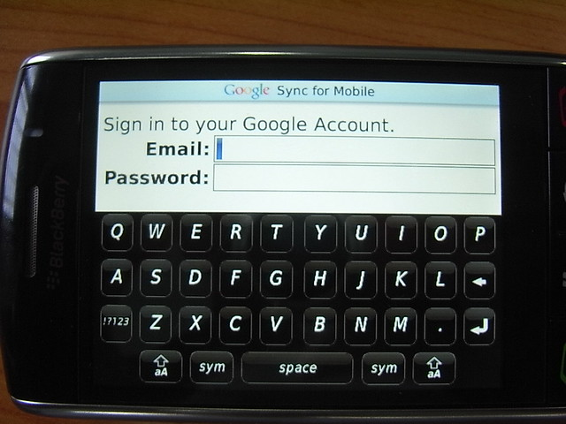 blackberry storm 2 keyboard - photo #40
