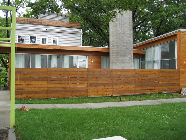 Privacy fence for front of house. | Modern Atlanta Home