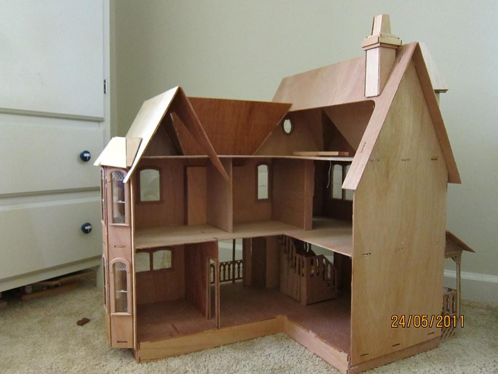 Greenleaf Pierce Dollhouse - Inside | Blogged at The