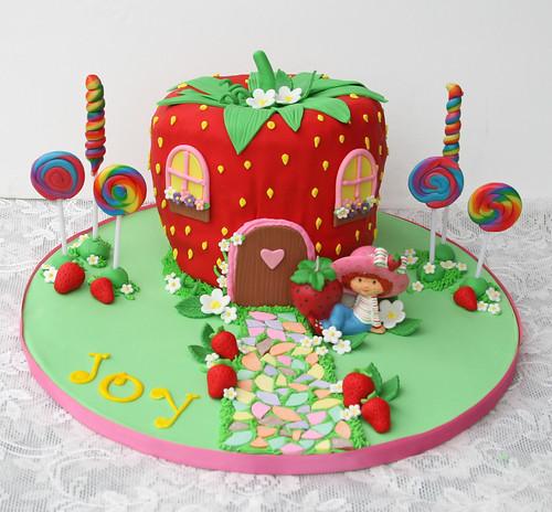 Daphne Made Her Own Birthday Cake Too: Strawberry Shortcake's House