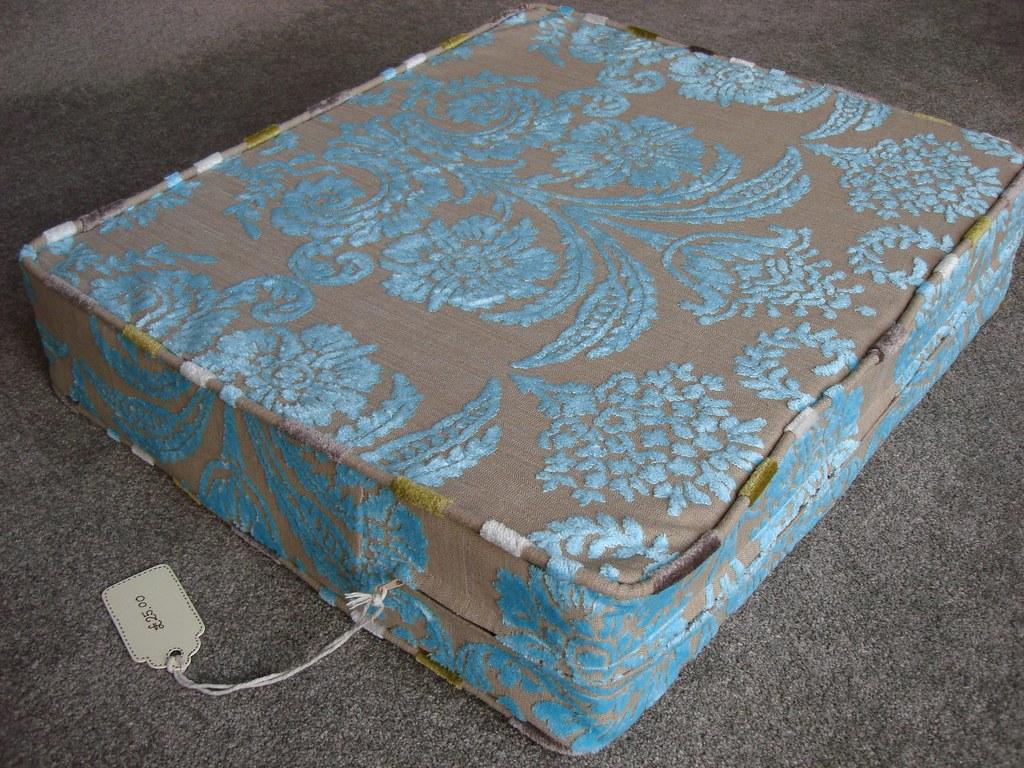how to make a box cushion