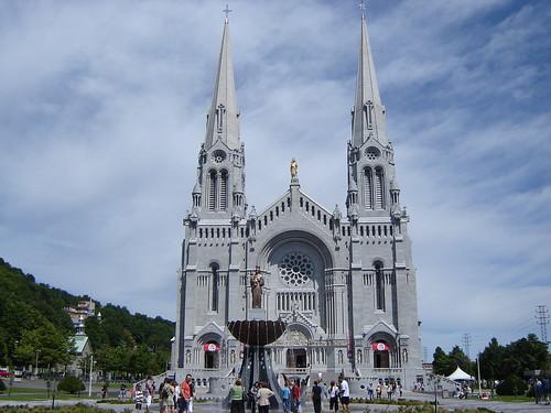Basilique Ste Anne De Beaupr Shrine Of St Anne De Beaupr Near Quebec City Flickr Photo