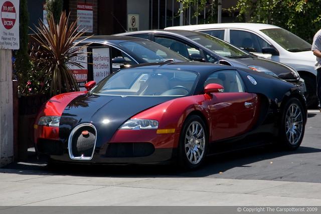 Bugatti veyron red and black