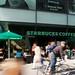 Außenfassade Centrumgalerie mit Starbucks-Filiale