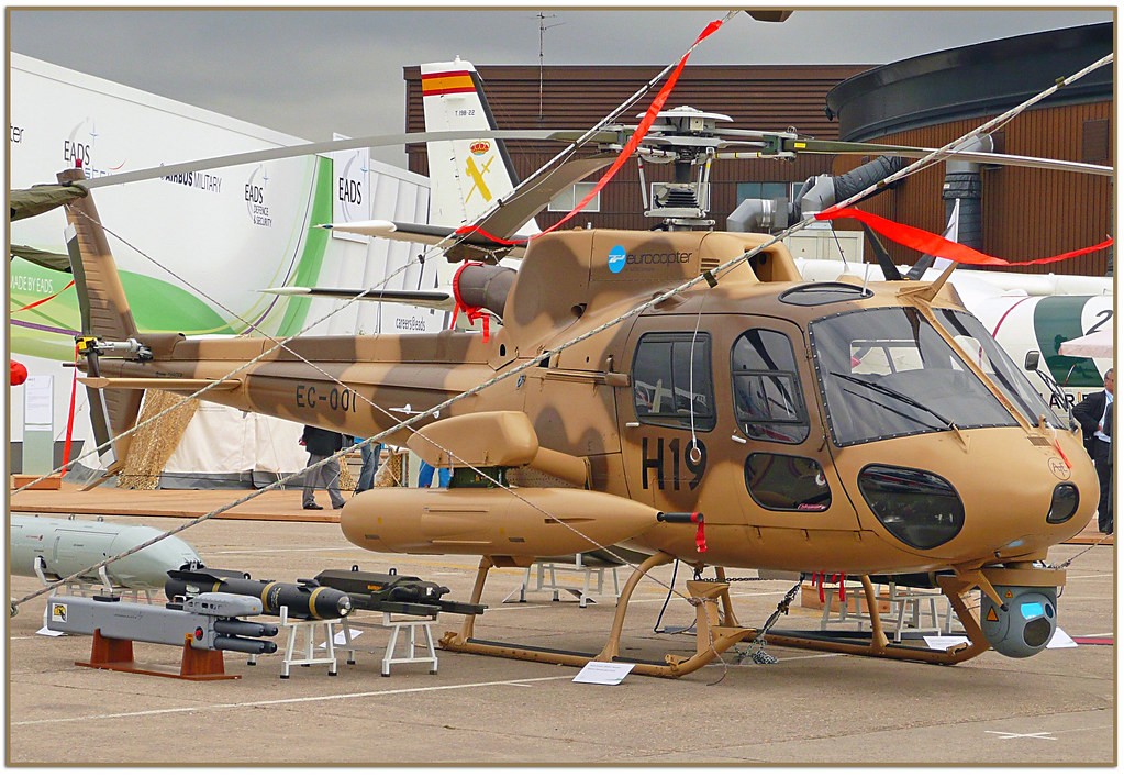 pics of military helicopters with 3927051154 on Dehaviland in addition Mi 26 also V 22 Osprey together with Helicopter military Gazelle g also 11415299716.
