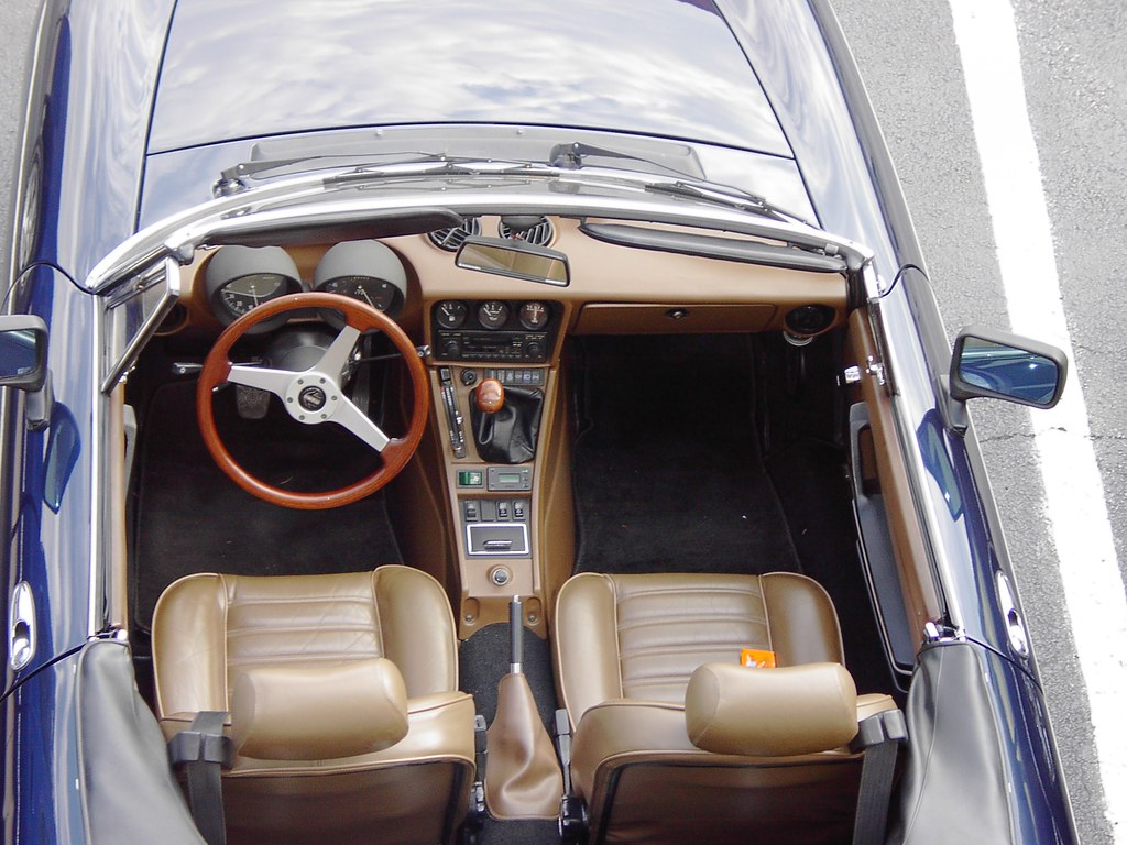 mark 39 s alfa romeo spider interior the car got replacement flickr. Black Bedroom Furniture Sets. Home Design Ideas