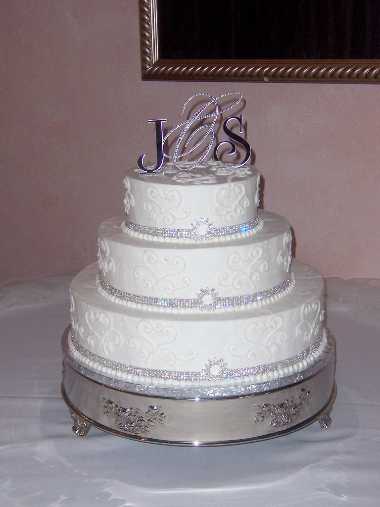 wedding cakes with jewels cake jewels wedding cake the provided the cake 26047