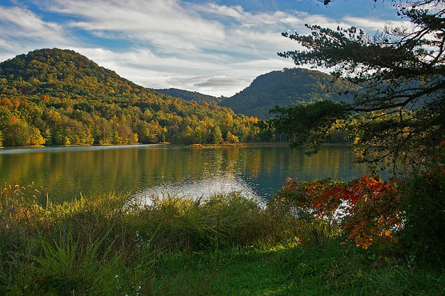 Owsley Fork Reservoir Berea Ky The Colors Of Fall Are