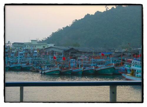 Drag net fishing boats justin van matre flickr for Drag net fishing