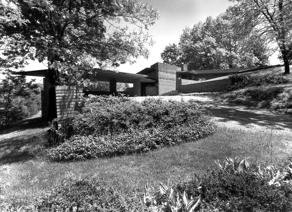 William b and mary shuford palmer house 1951 frank lloy for Frank lloyd wright palmer house