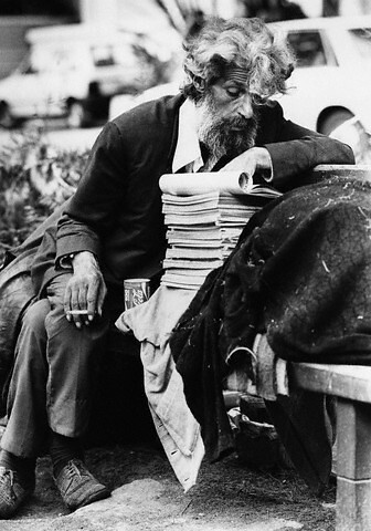 Homeless Man Reading Books | 1977-1998, Tel Aviv-Yafo ...