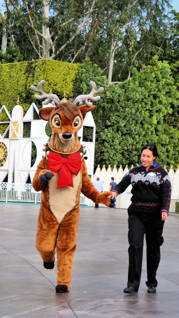 Image Result For Reindeer Pulling Sleigh