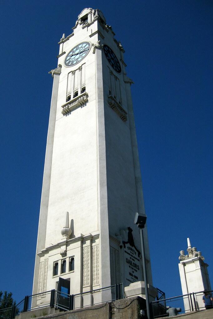 Montr 233 Al Quais Du Vieux Port Quai De L Horloge Tour D