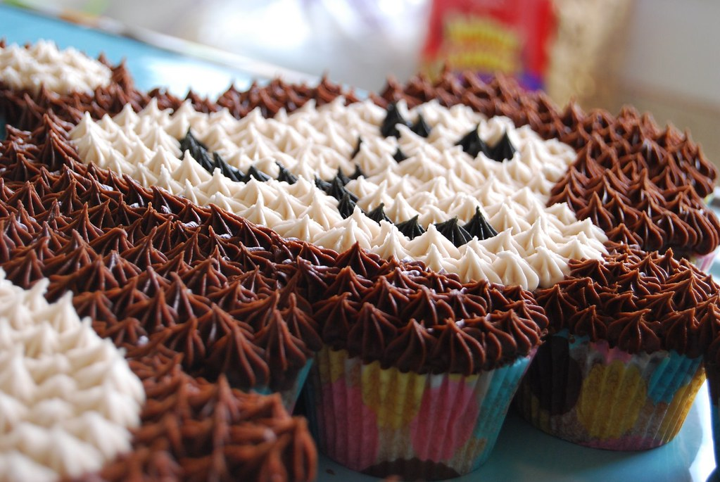 Monkey Face Cupcakes Monkey Cupcake Cake | by