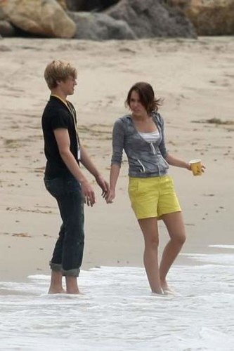 Miley Cyrus and Lucas Till holding hands | awwww nick ...