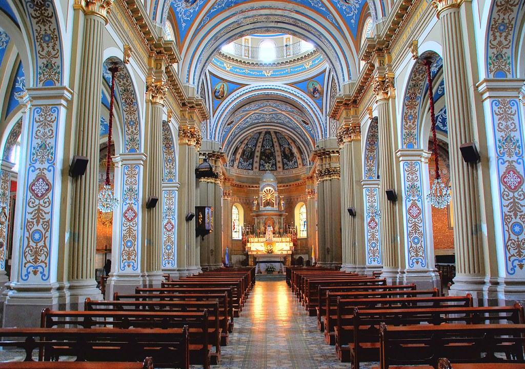 Iglesia Por Dentro Hdr Interior De La Iglesia De N 170 S 170 D Flickr