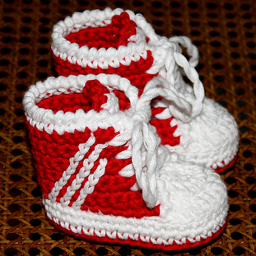Free Knitting Pattern For Baby Tennis Shoes : PATTERN - Baby Sneakers (tennis shoes) Crocheted sneakers ? Flickr
