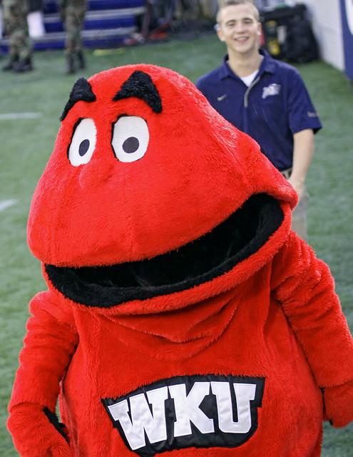 Denison University Football >> MASCOT BIG RED FROM WESTERN KENTUCKY UNIVERSITY | Western