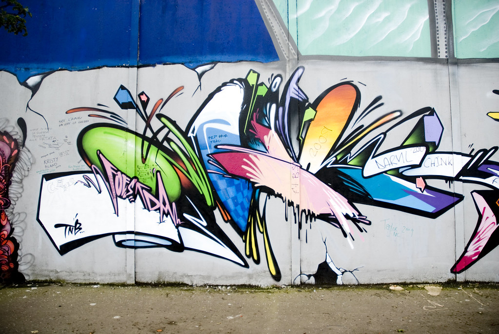 Belfast >> Belfast peace wall graffiti | Graffiti on the Belfast Peace … | Flickr