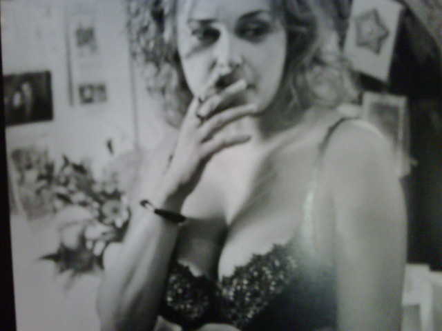 julia sawalha hot