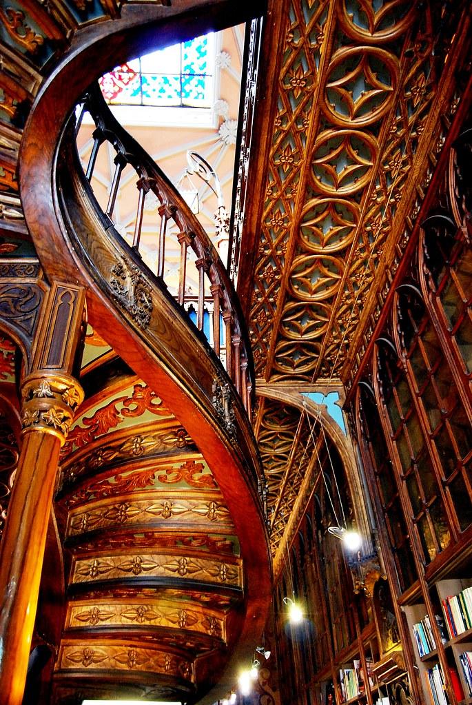 09 librer a lello e irmao interior escalera 7567 for Escalera libreria