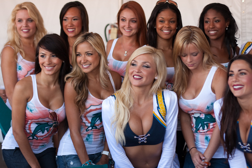 San Diego Charger Cheerleaders And Miami Dolphin Girls